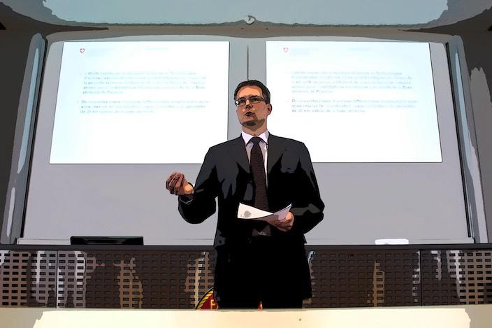 Bruno Locher, Chef Raum und Umwelt beim VBS, anerkennt das Problem des Fluglärms auf dem Militärflugplatz Meiringen. Für eine Gesamtbeurteilung verweist er auf den Sachplan Militär.