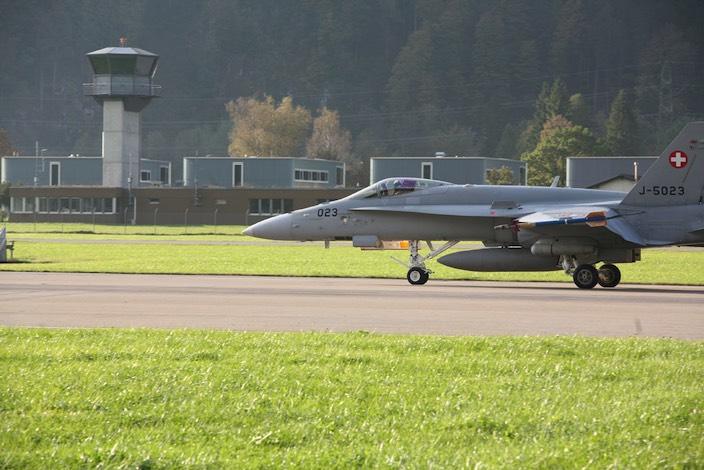 Der Programmteil des Sachplans Militär 2017 sieht die Schliessung der Militärflugplätze Sion und Buochs vor.