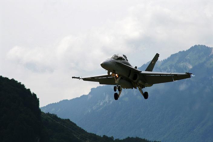 Der Bundesrat wies am Donnerstag eine Interpellation gegen die Flugbewegungen in Meiringen zurück.