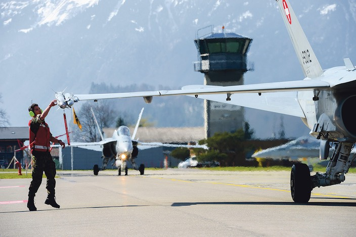 Im Sachplan fehlen laut dem Brienzer Gemeinderat Informationen, wie sich die Schliessung anderer Militärflugplätze auf den Standort Meiringen auswirkt.